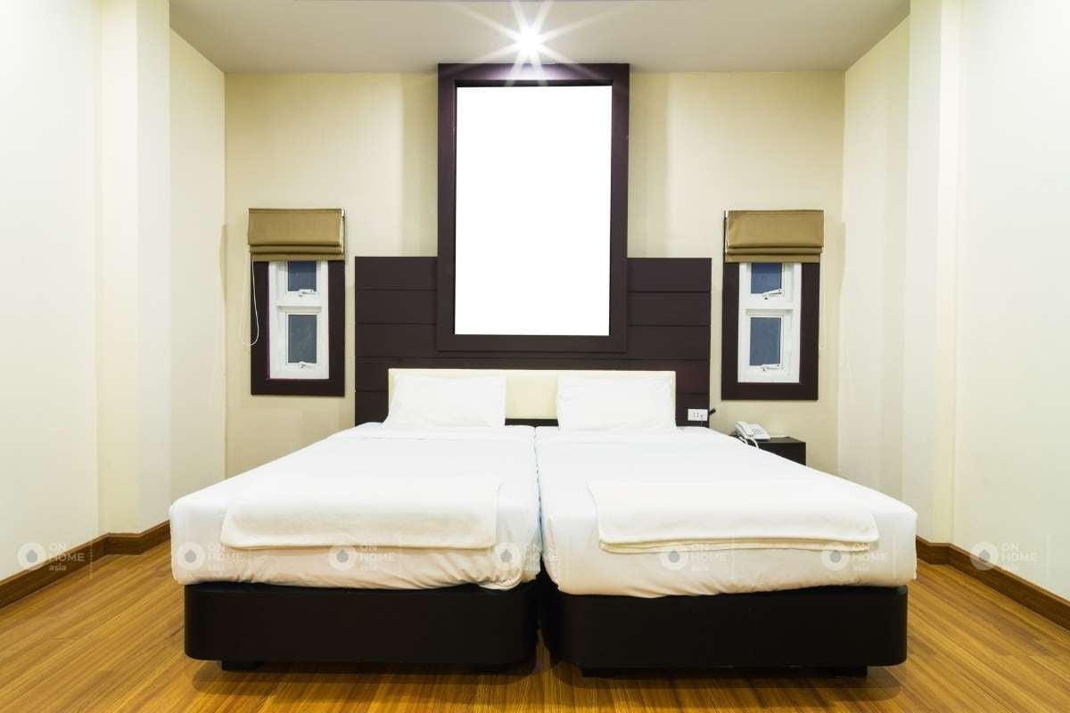 Giường ngủ đôi đơn giản