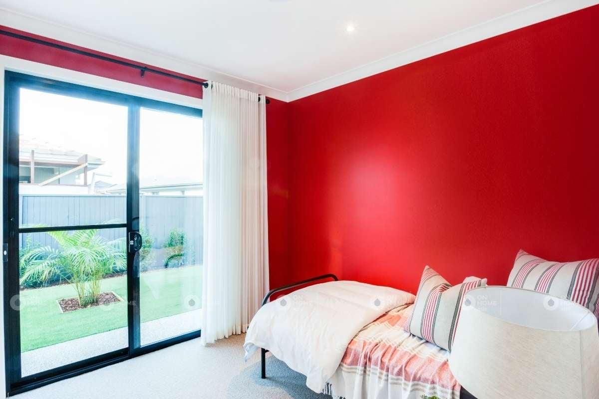 Sơn tường phòng ngủ màu đỏ đẹp