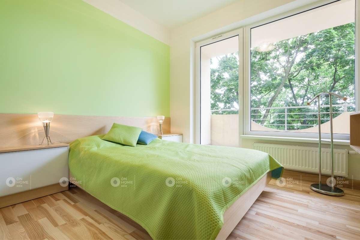 Sơn tường phòng ngủ màu xanh lá nhẹ nhàng