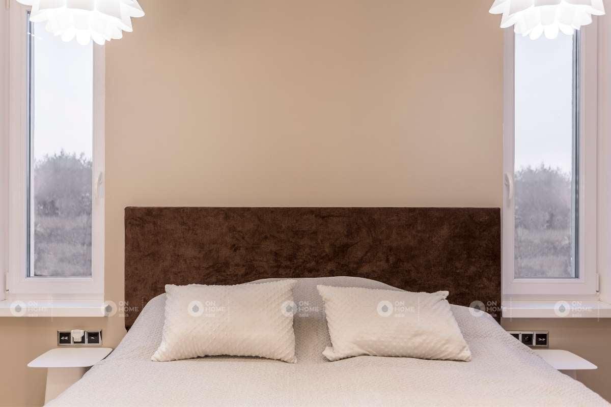 Tường phòng ngủ màu be đẹp ấn tượng