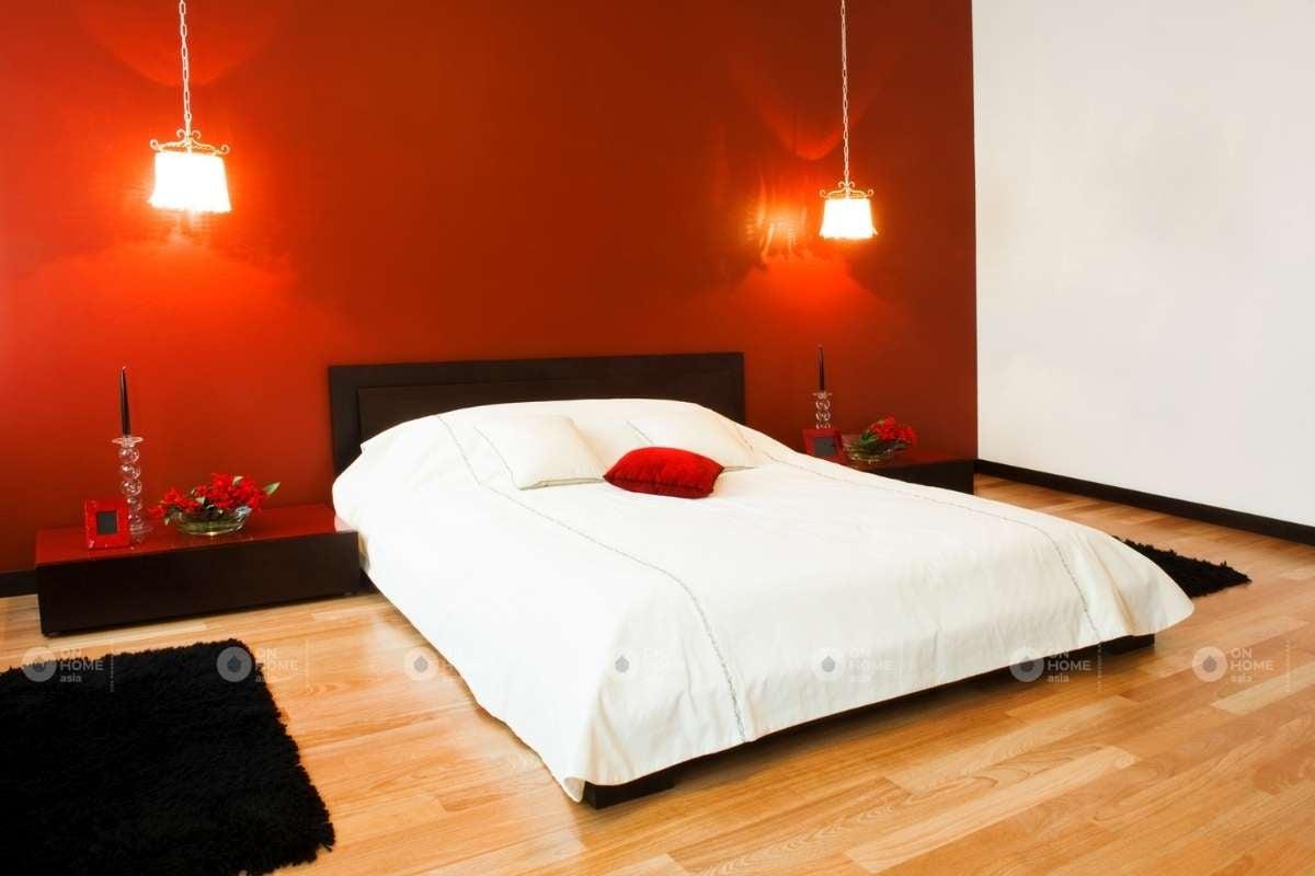 Tường phòng ngủ màu đỏ ấn tượng
