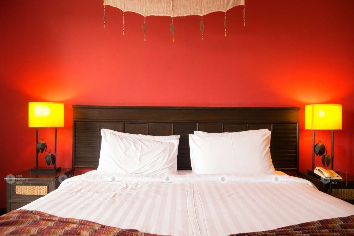 Tường phòng ngủ màu đỏ đẹp