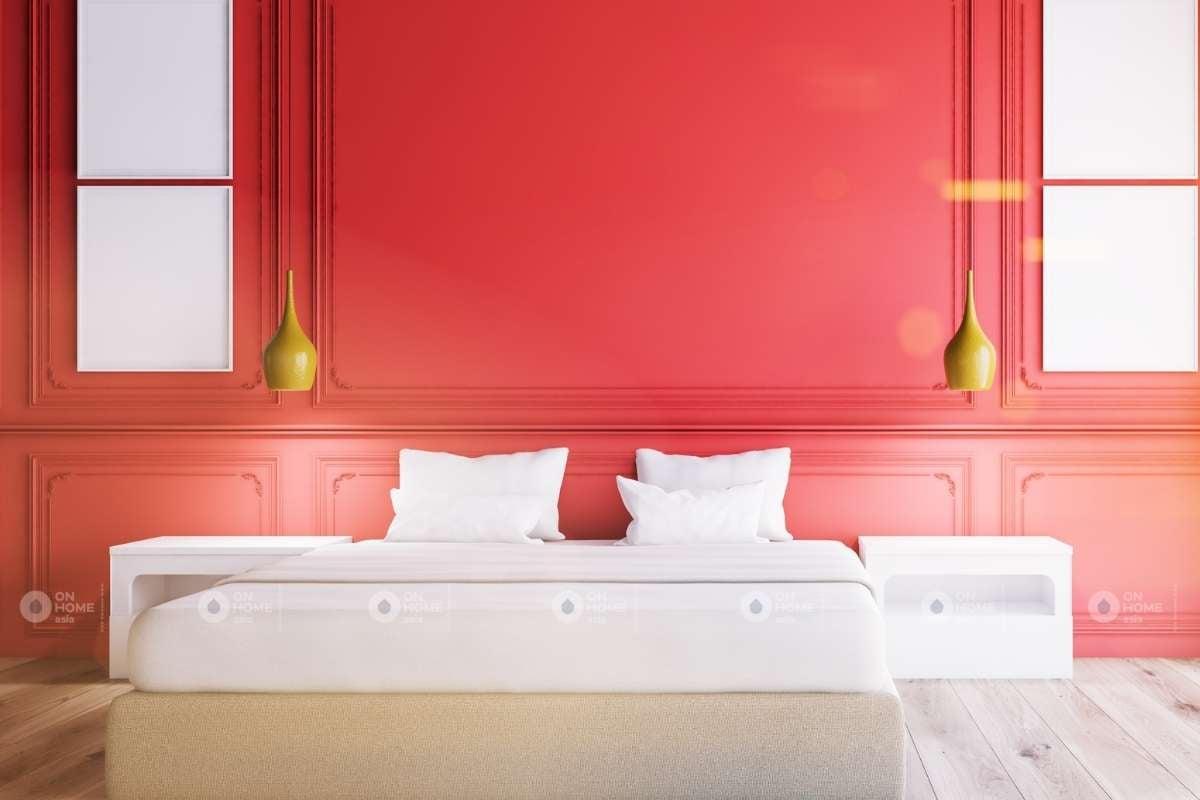 Tường phỏng ngủ màu đỏ tân cổ điển