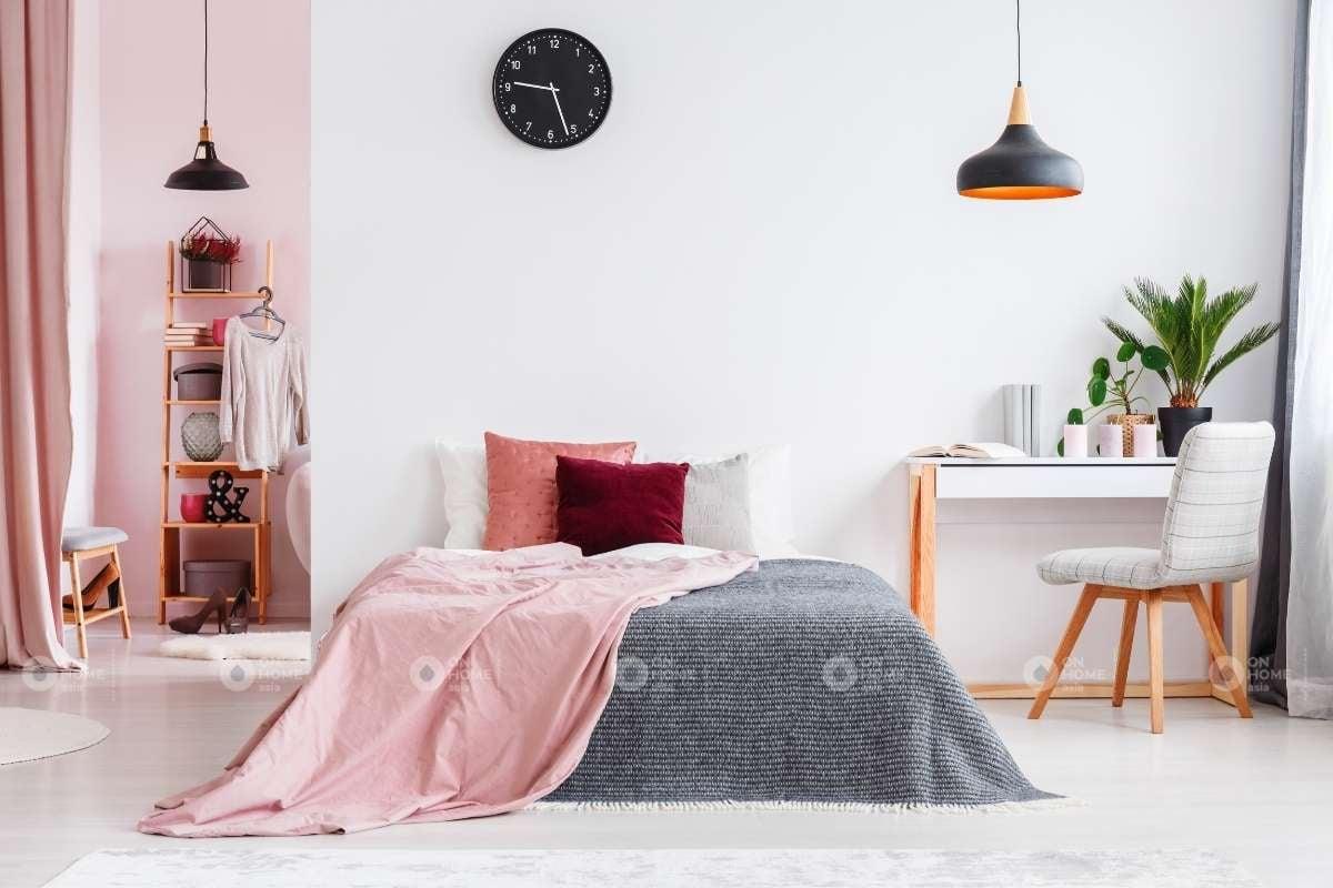 Tường phòng ngủ màu hồng trắng