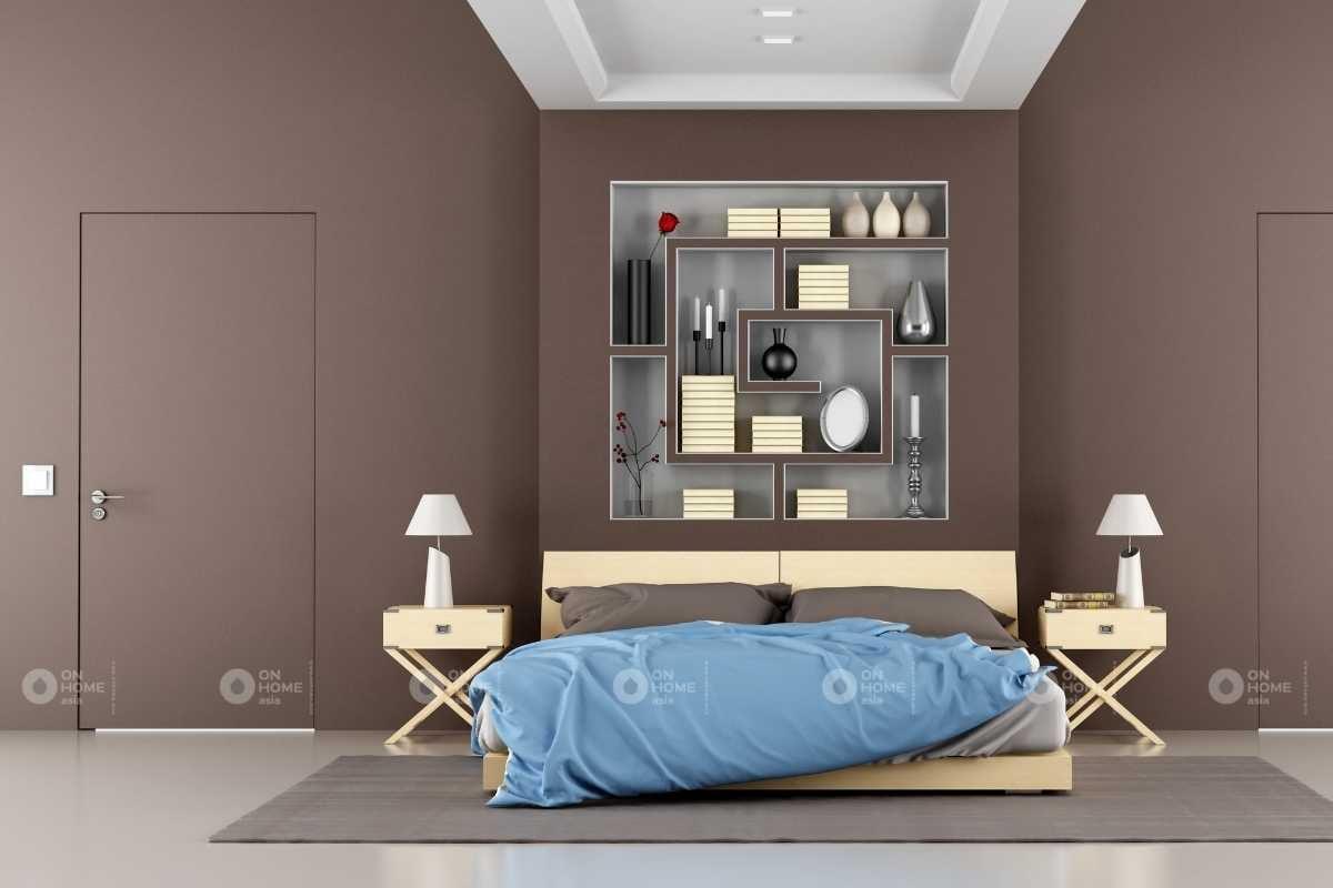 Tường phòng ngủ với gam màu nâu ấn tượng