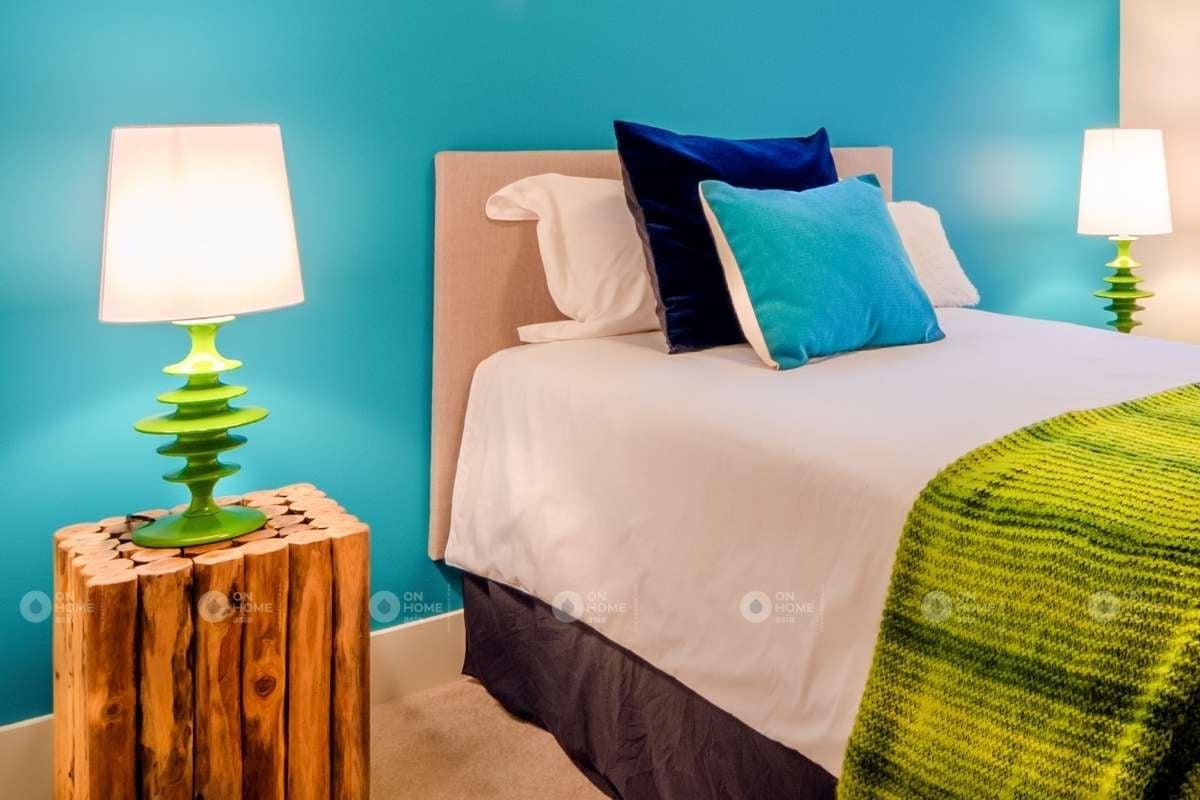 Tường phòng ngủ với gam màu xanh dương