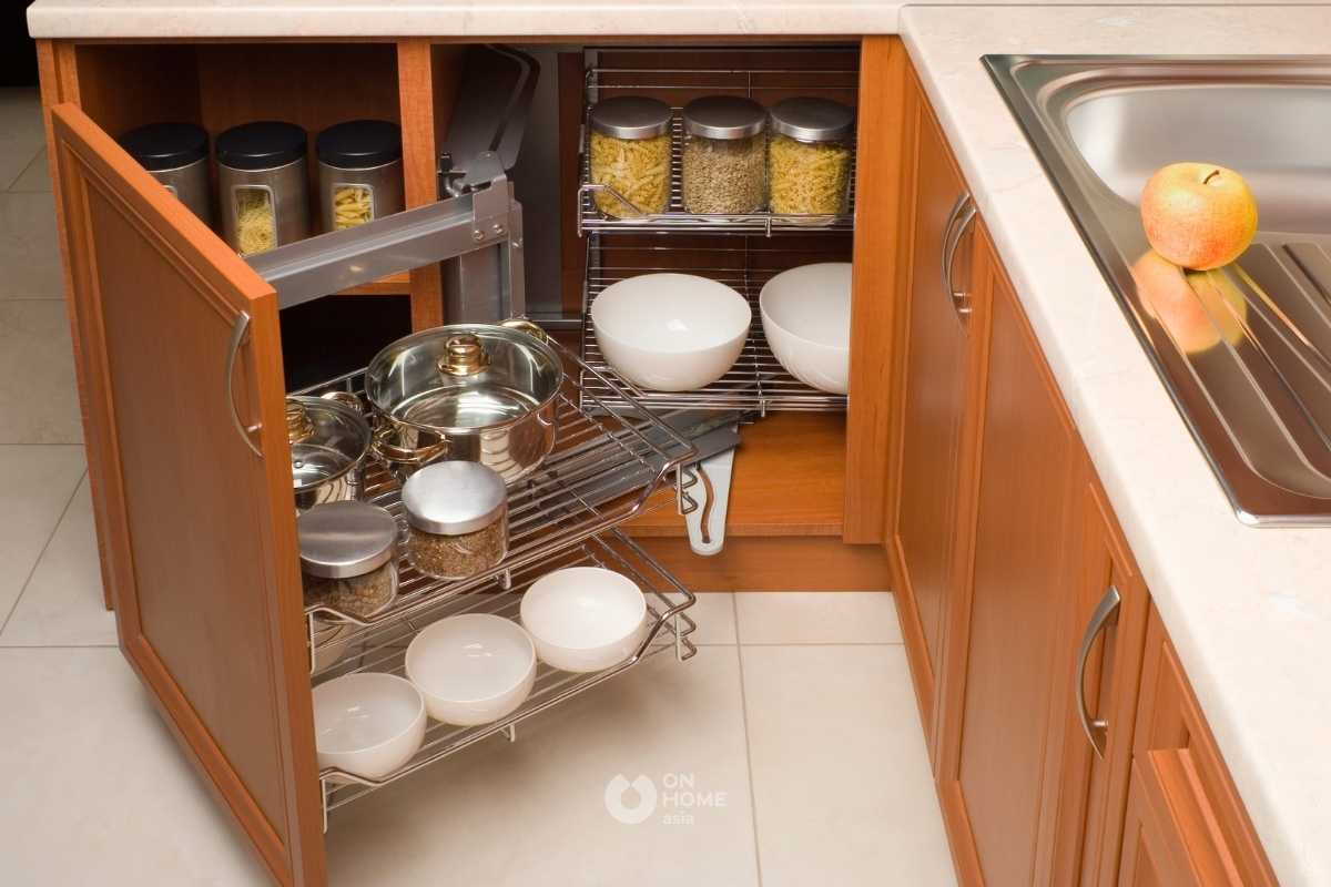 Học tủ có ngăn kéo riêng cho phụ kiện.