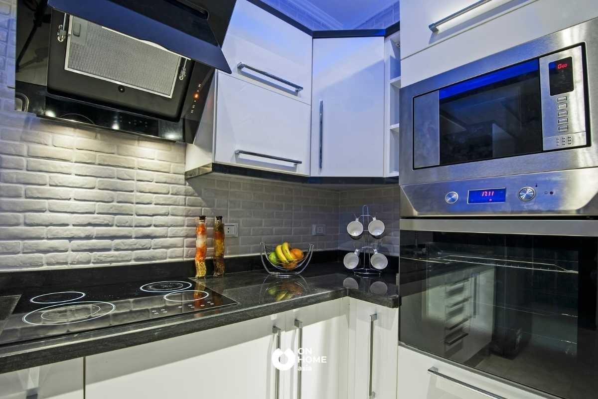 Kích thước tủ bếp trên của tủ bếp thông minh.