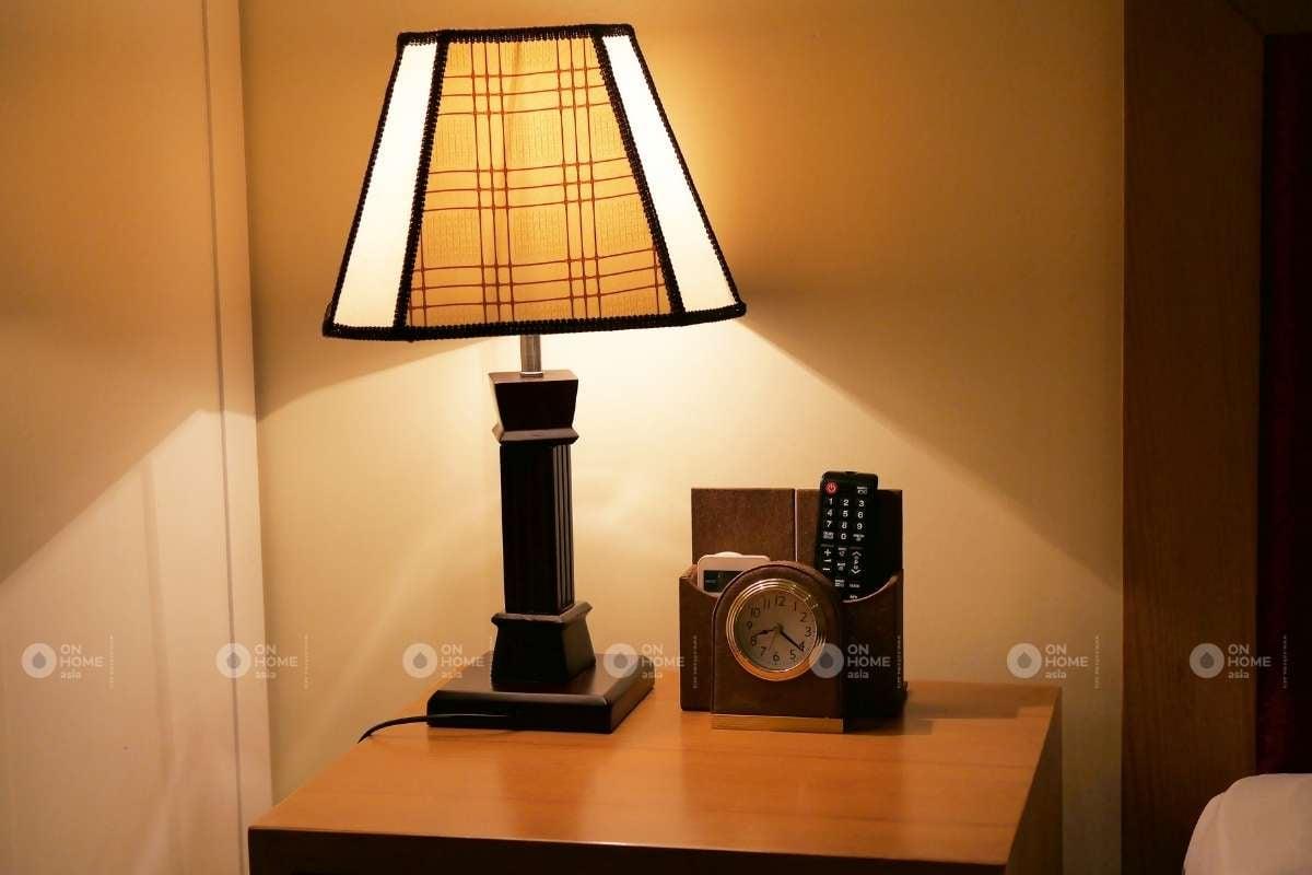 Đèn để bàn phòng ngủ
