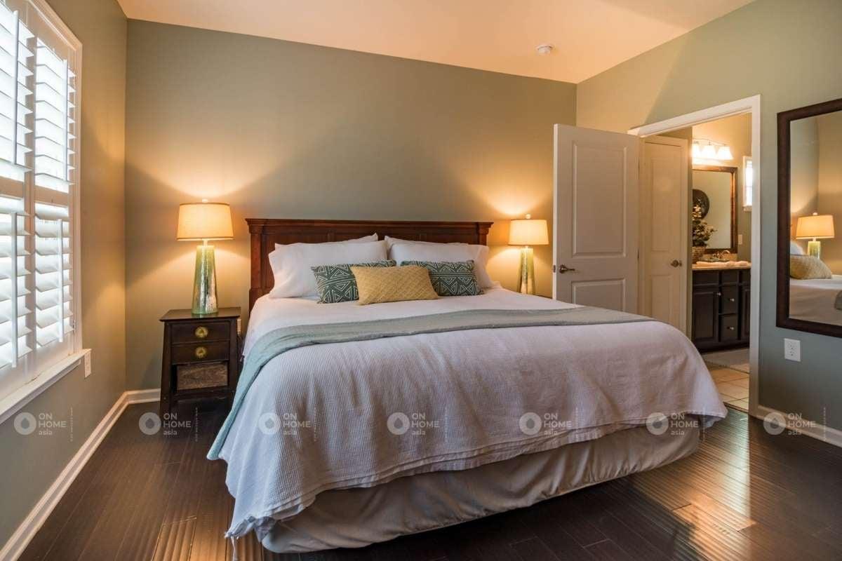 Giường ngủ bằng chất liệu gỗ sồi