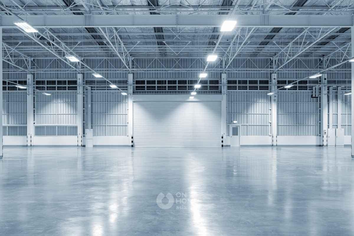 Sàn bê tông thường được sử dụng trong các nhà máy xí nghiệp.