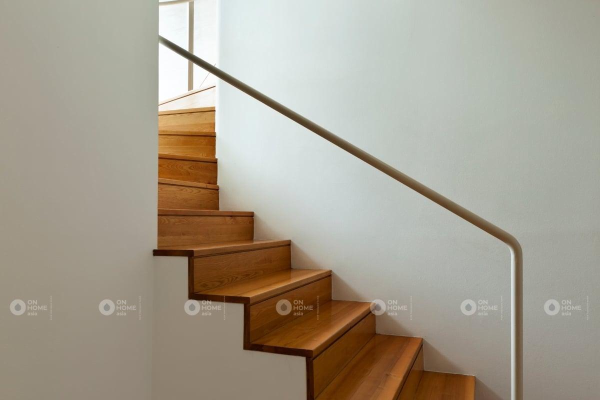 các màu cầu thang phù hợp với phong thủy