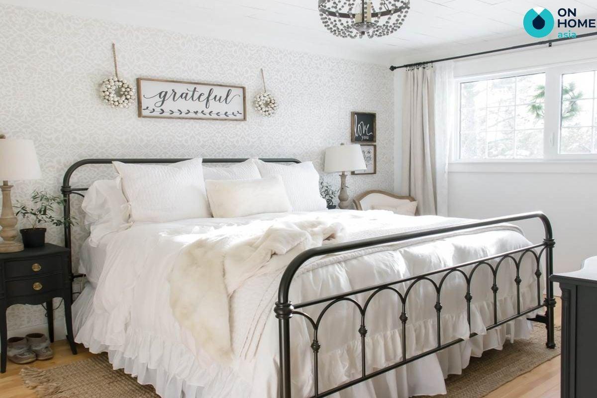 Giường ngủ bằng kim loại
