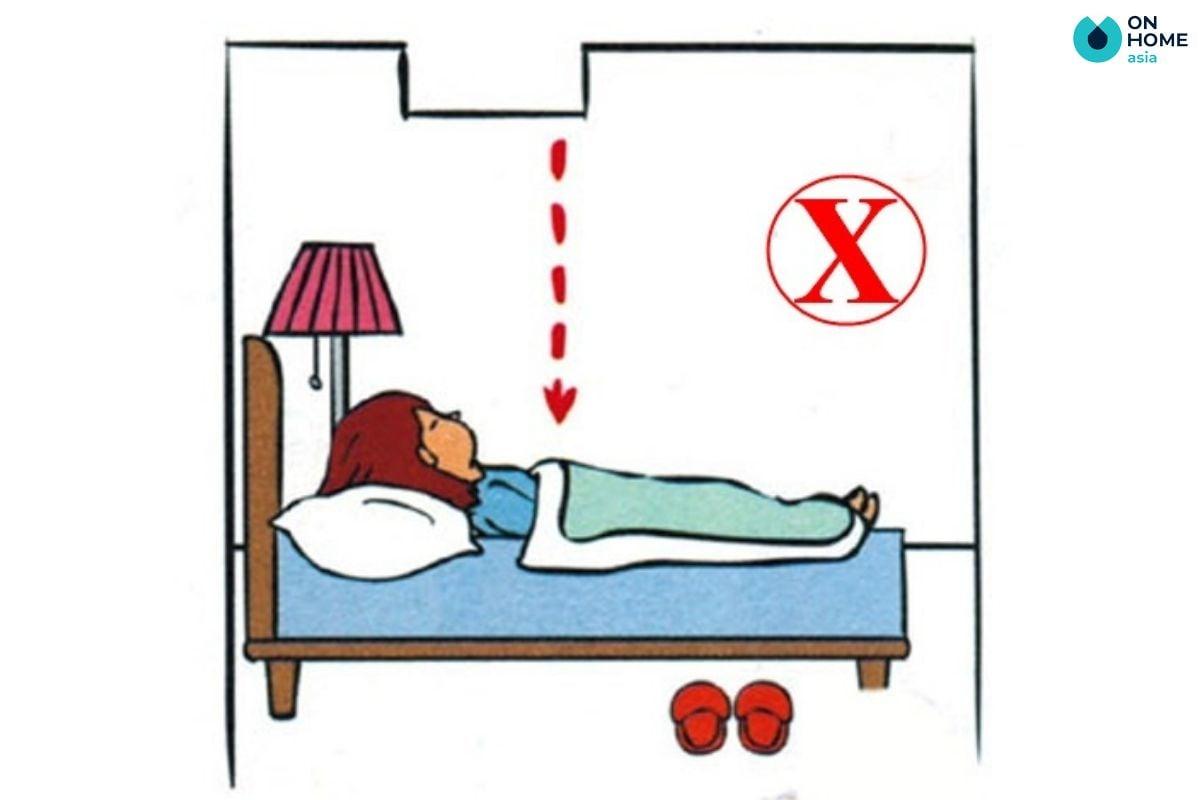 Không nên đặt giường ngủ nằm dưới thanh xà ngang trong phòng