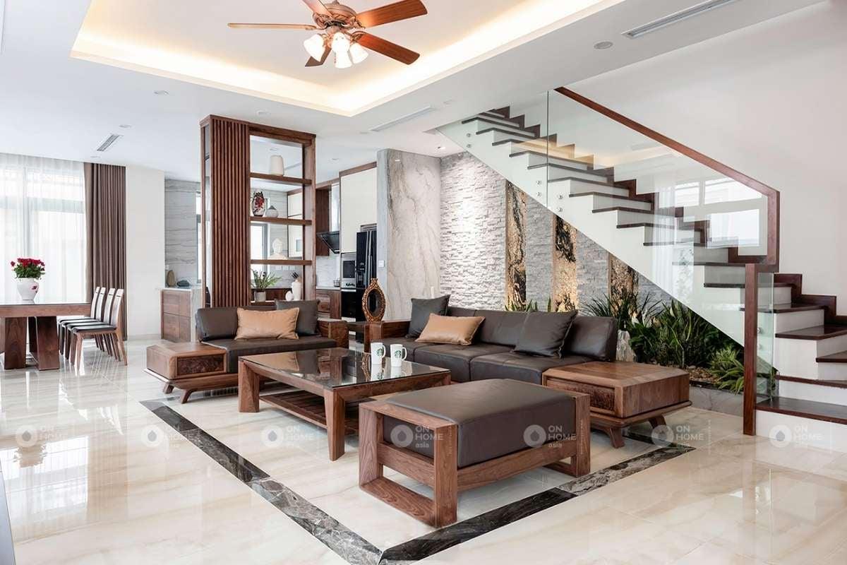 Tủ trang trí phòng khách từ những thanh lam gỗ phòng khách