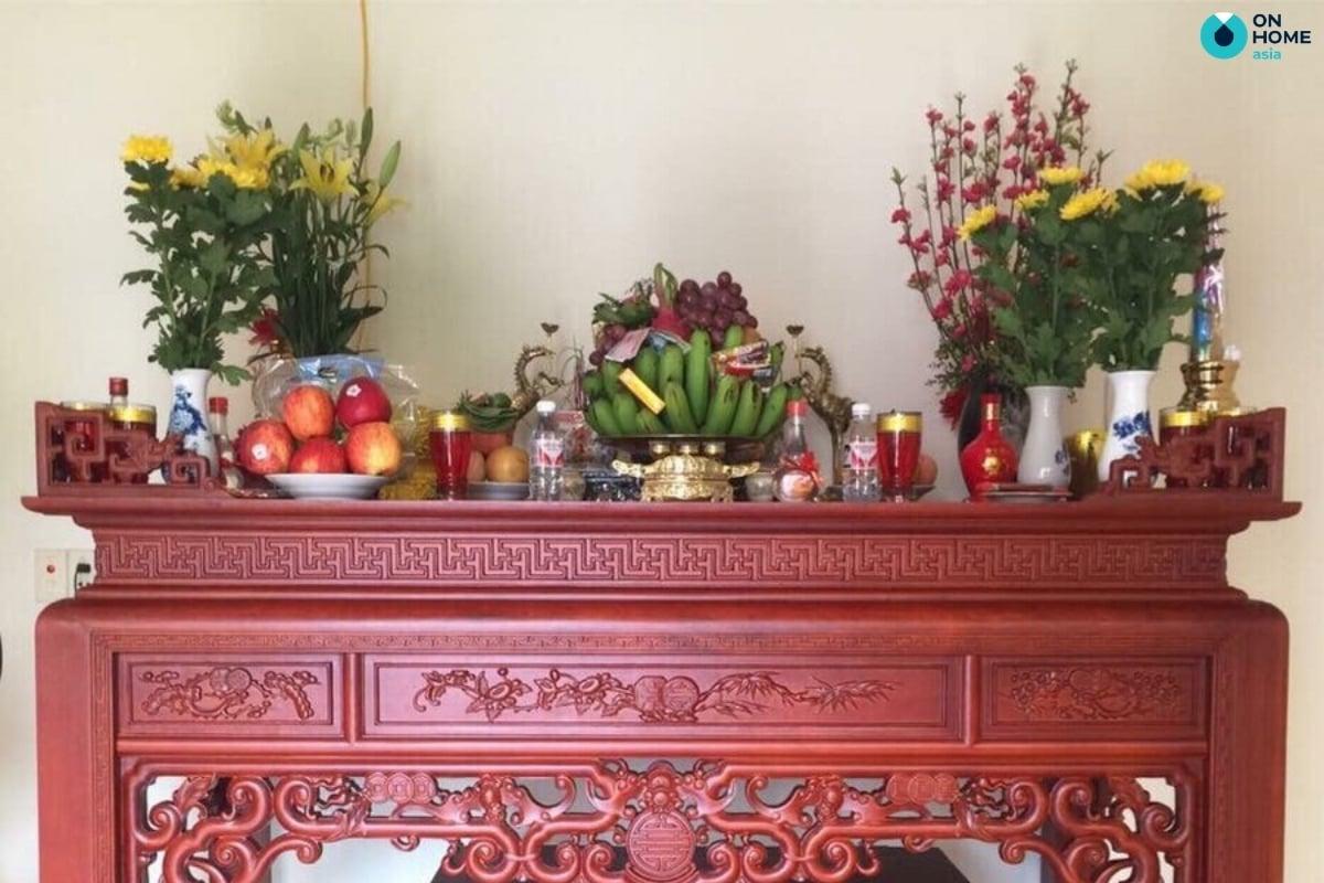 mâm ngũ quả trên bàn thờ