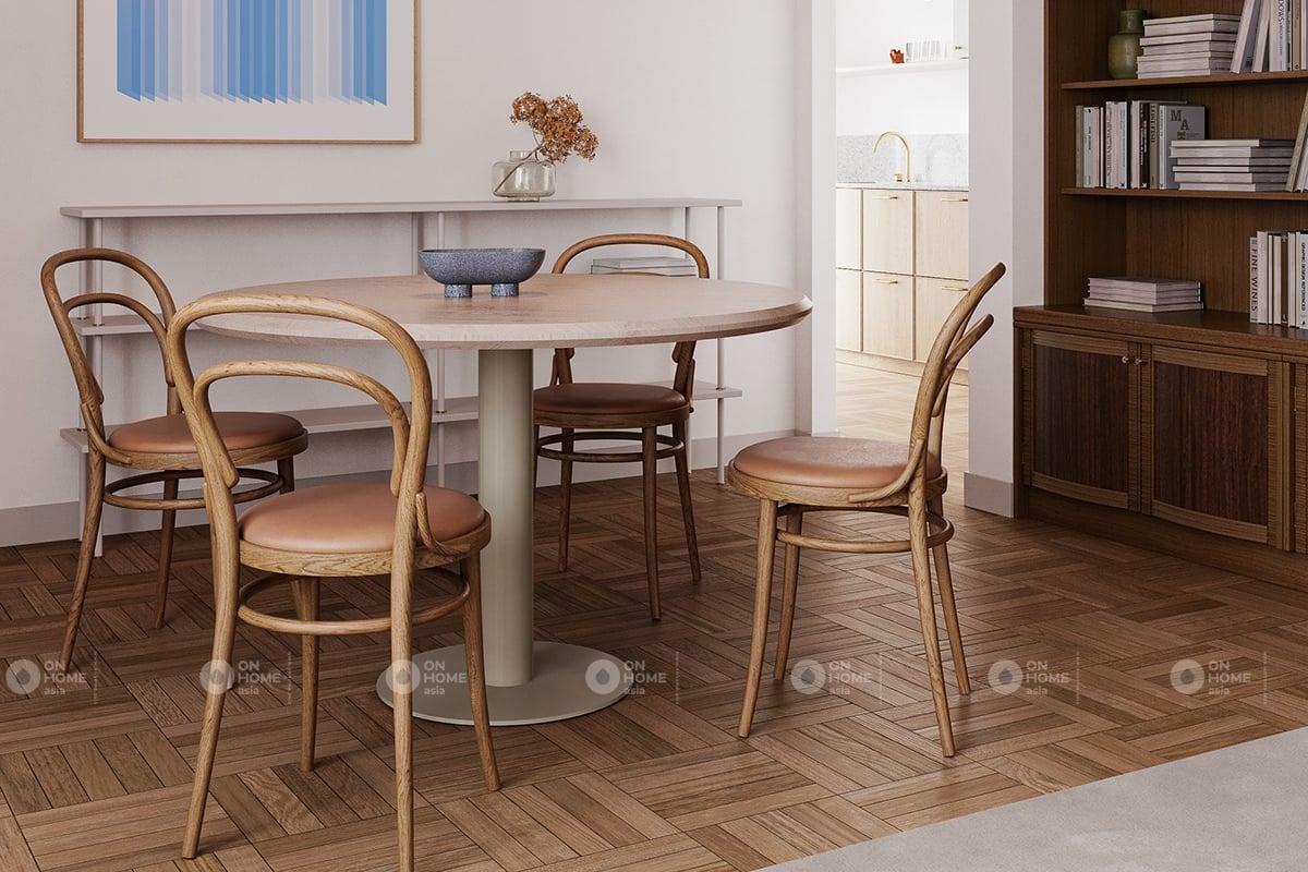 Một góc bàn ăn chung cư